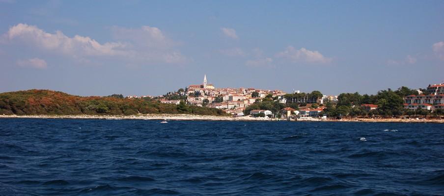Eine der zahlreichen ehemals italienischen Kleinstädte an der Adriaküste