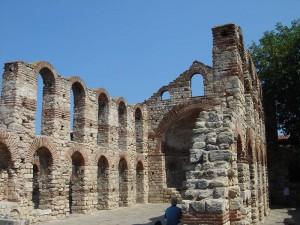 Die Grundmauern der Alten Metropoliskirche in Nessebar