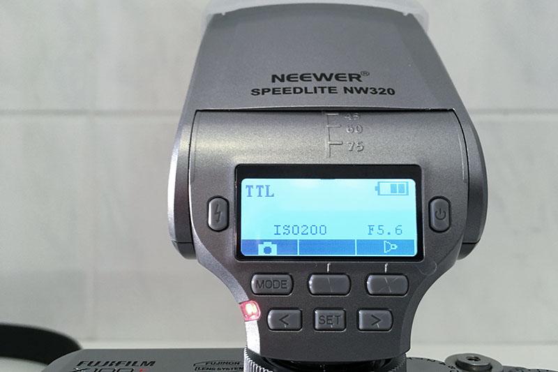 Fujifilm_X100T_Neewer NW 320 TT_3